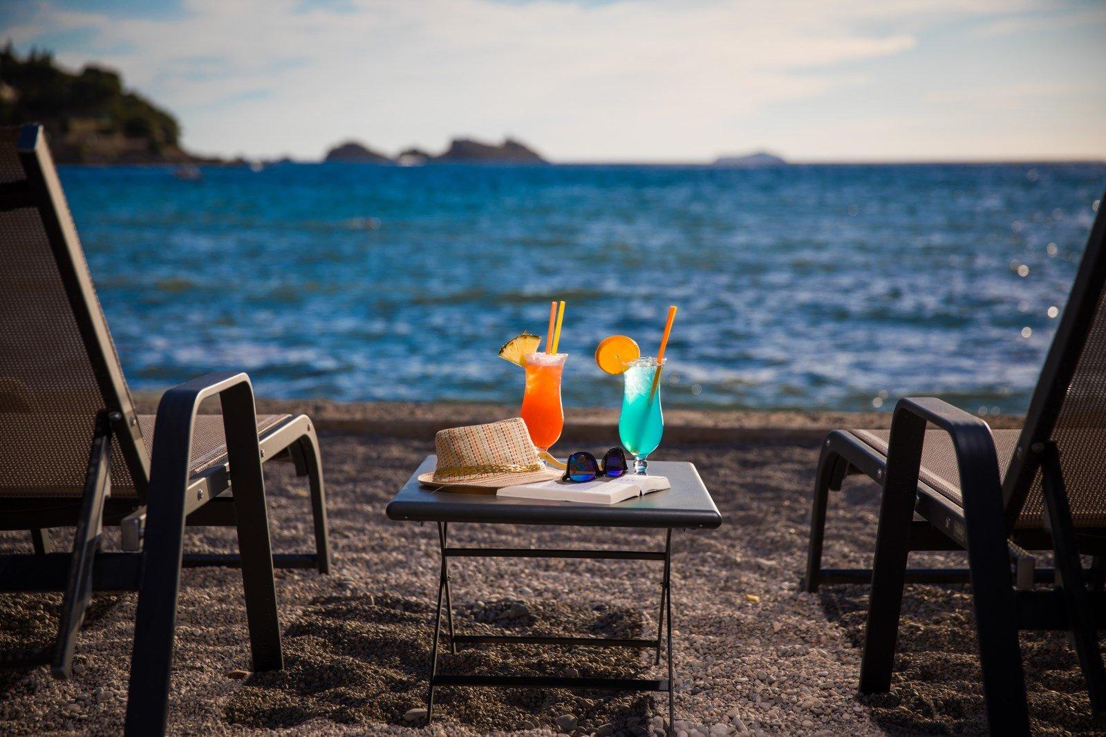 sunset beach dubrovnik bar coctails